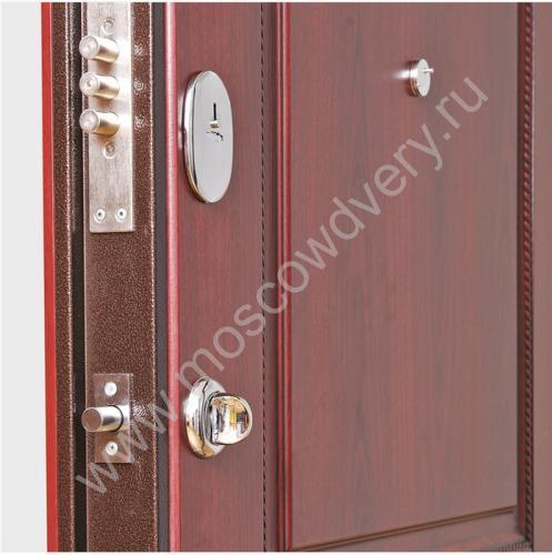 металлическая дверь в квартиру накладна